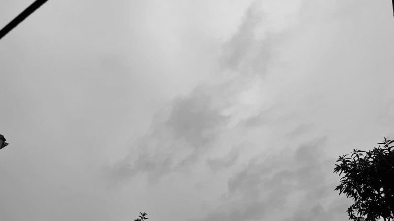 曇っている空